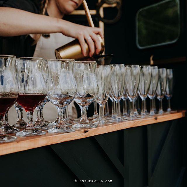 When it's so hot you could drink ALL the cocktails 🍹   Hope everyone is surviving the heat and keeping... hydrated 😉.. in an effort to encourage responsible drinking please make sure to have a water between each Gin, there we've said it!   - - - - - - - - - - - - - //  We love to tailor our offering to your event, so get in touch if you have a theme, or a particular drink you'd like to serve and we'd love to help! 🍸👌  📸 credit to the wonderful @estherwild_photo taking us back to that dreamy Norfolk hill by the sea!