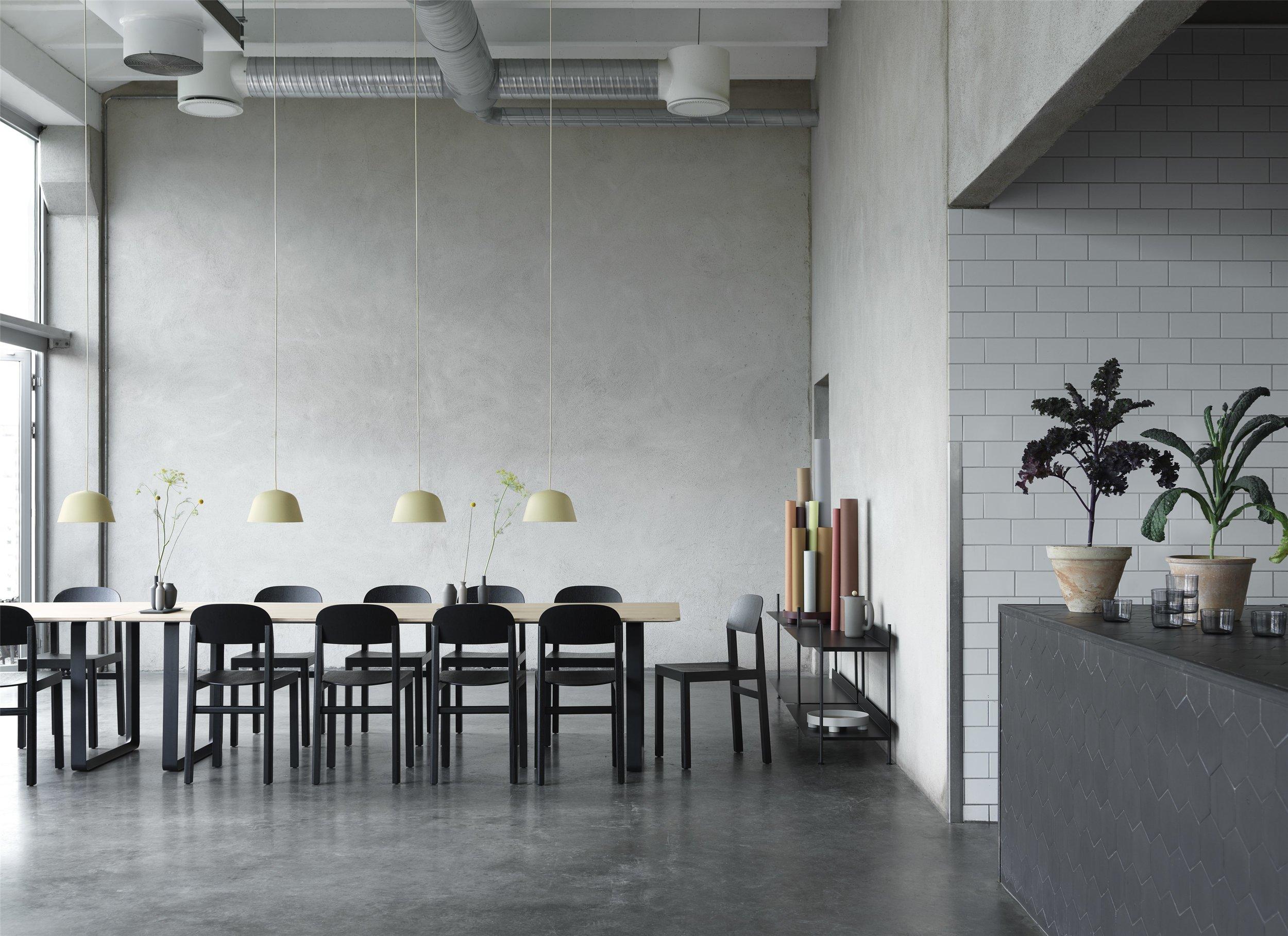 Workshop-chair-black-70-70-oak-ambit-ø25-compile-balance-push-corky_(150).jpg