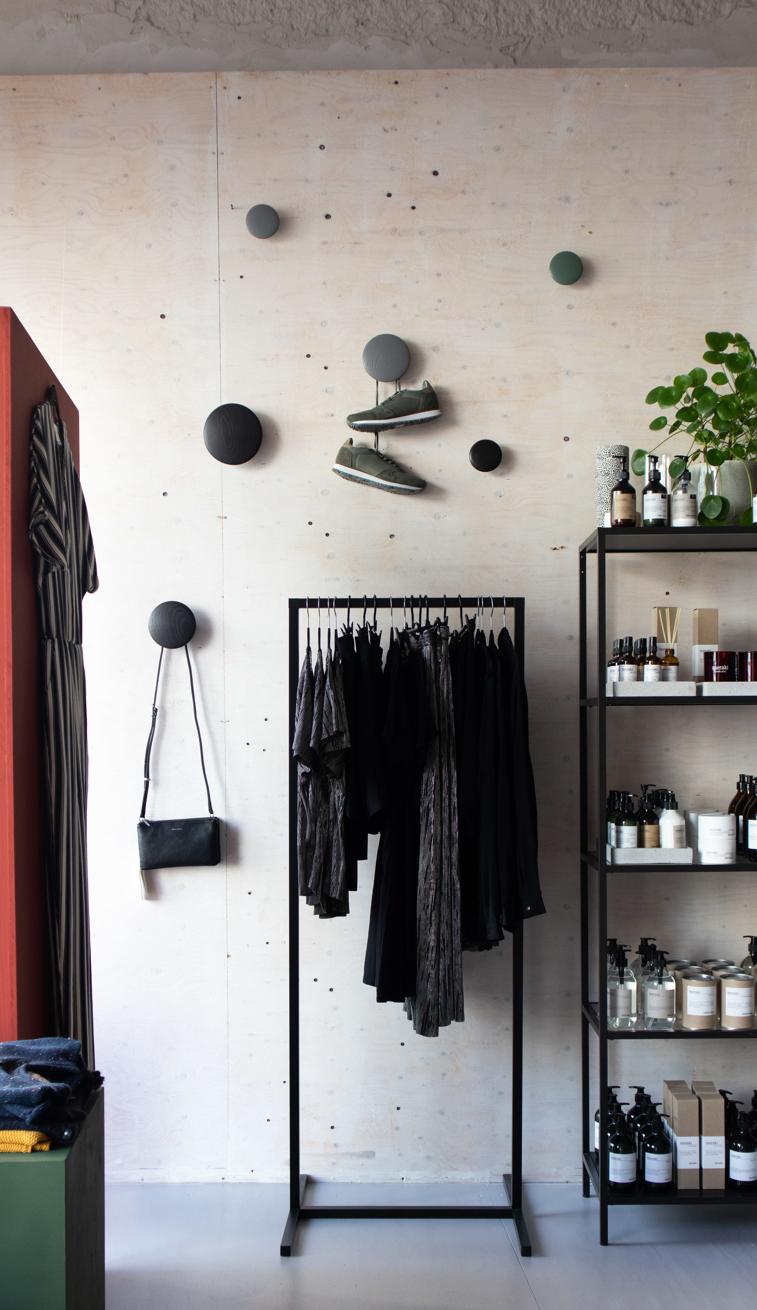 the dots, muuto, retail display, concept store, eindhoven scandinavian design, Deense Kroon.jpg