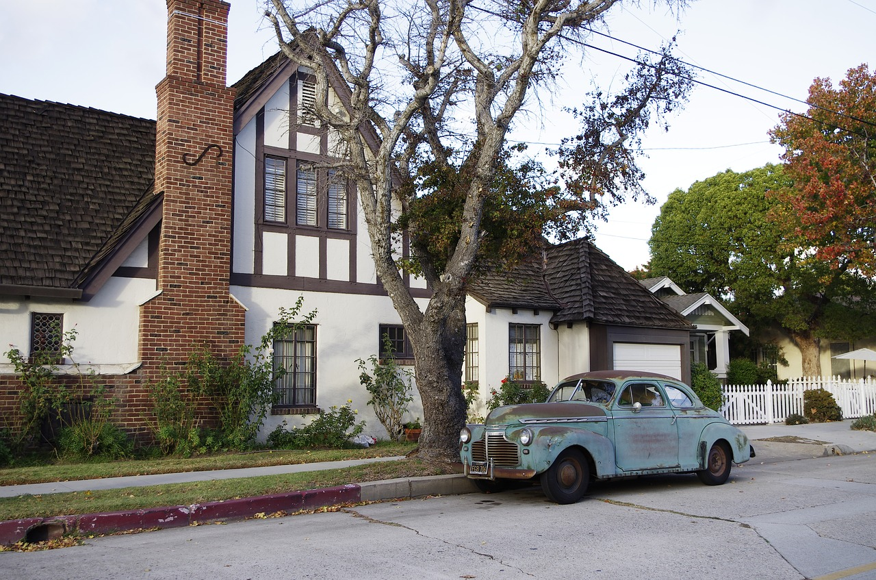 old-cars-1795876_1280.jpg
