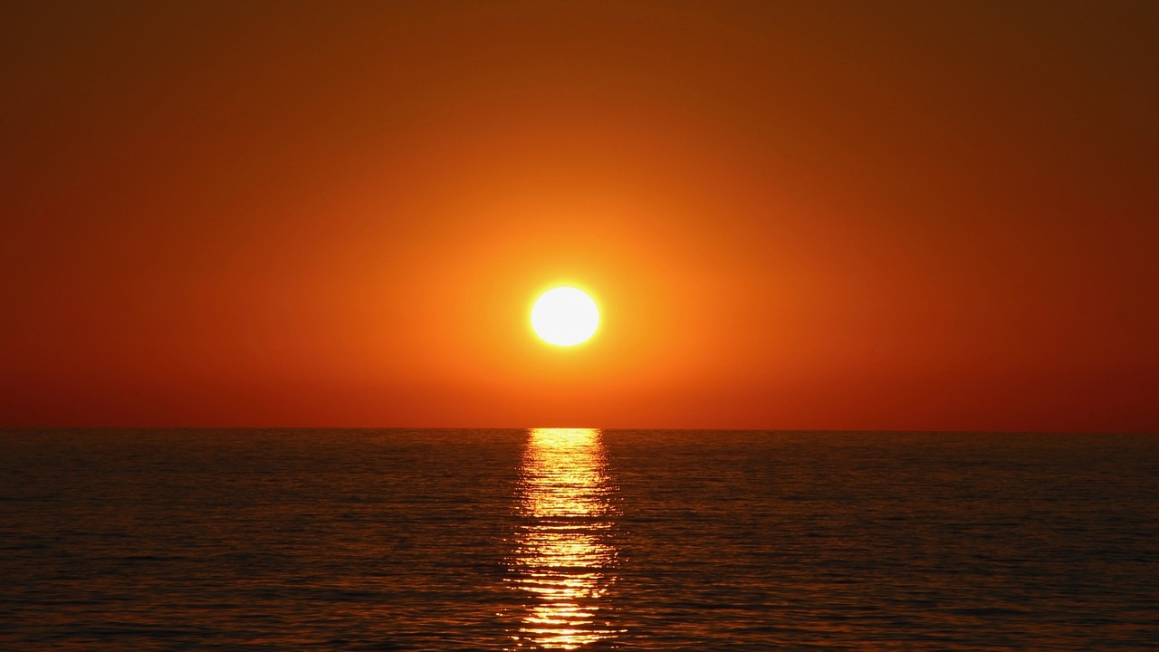 Where the Sunset Meets the Sea - Drama, Romance [CURRENTLY UNAVAILABLE]