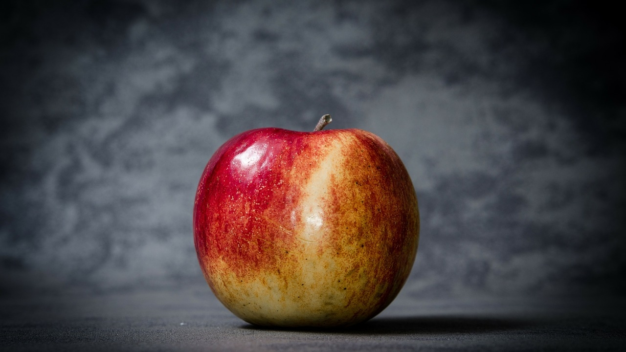 Apples for Anger - Flash Fiction
