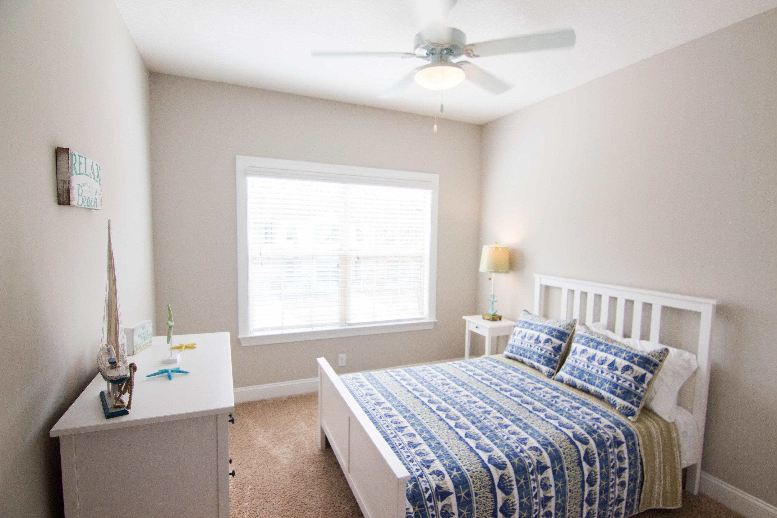 26 Bedroom.jpg