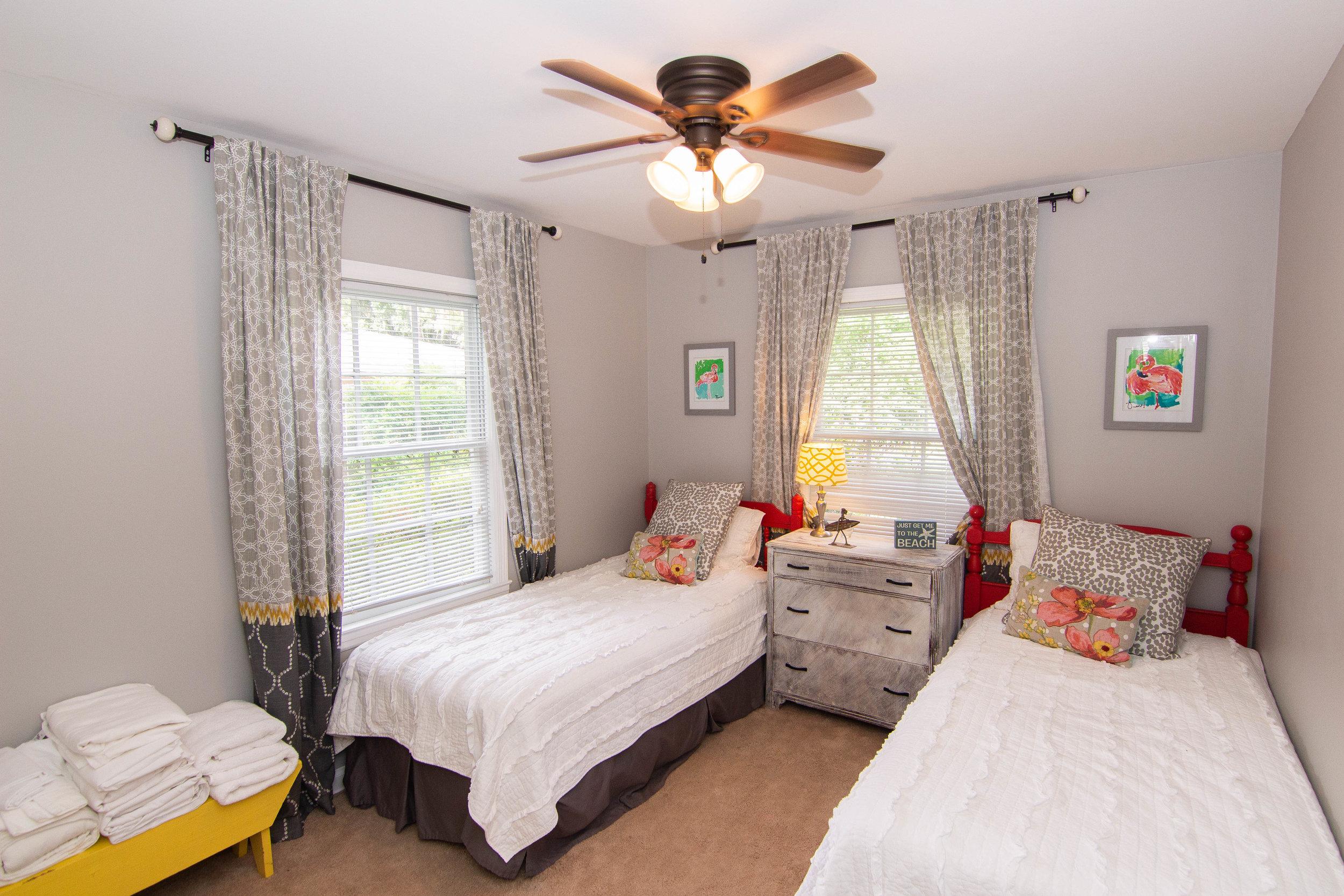 10 Bedroom 2.jpg