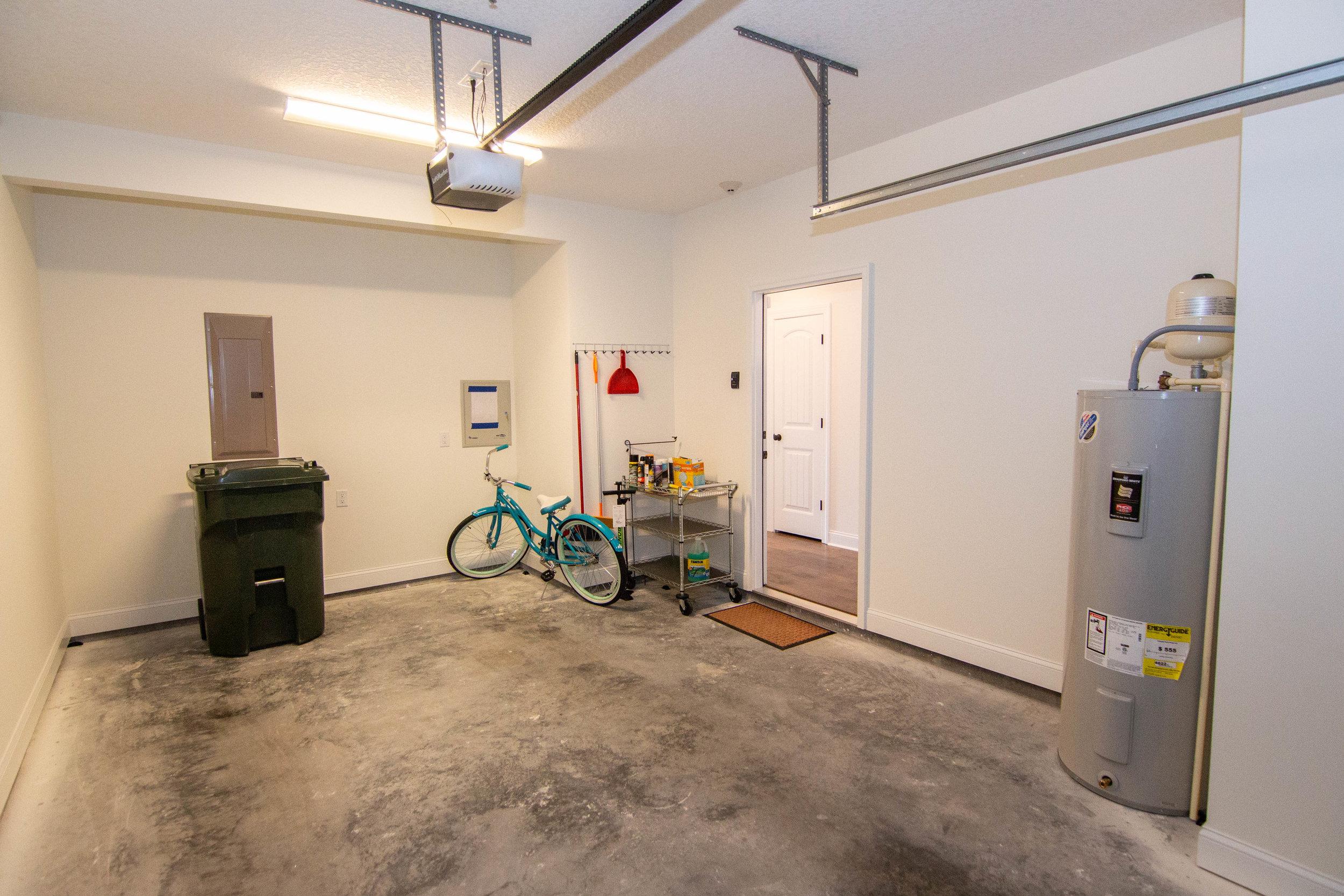 27 Garage.jpg