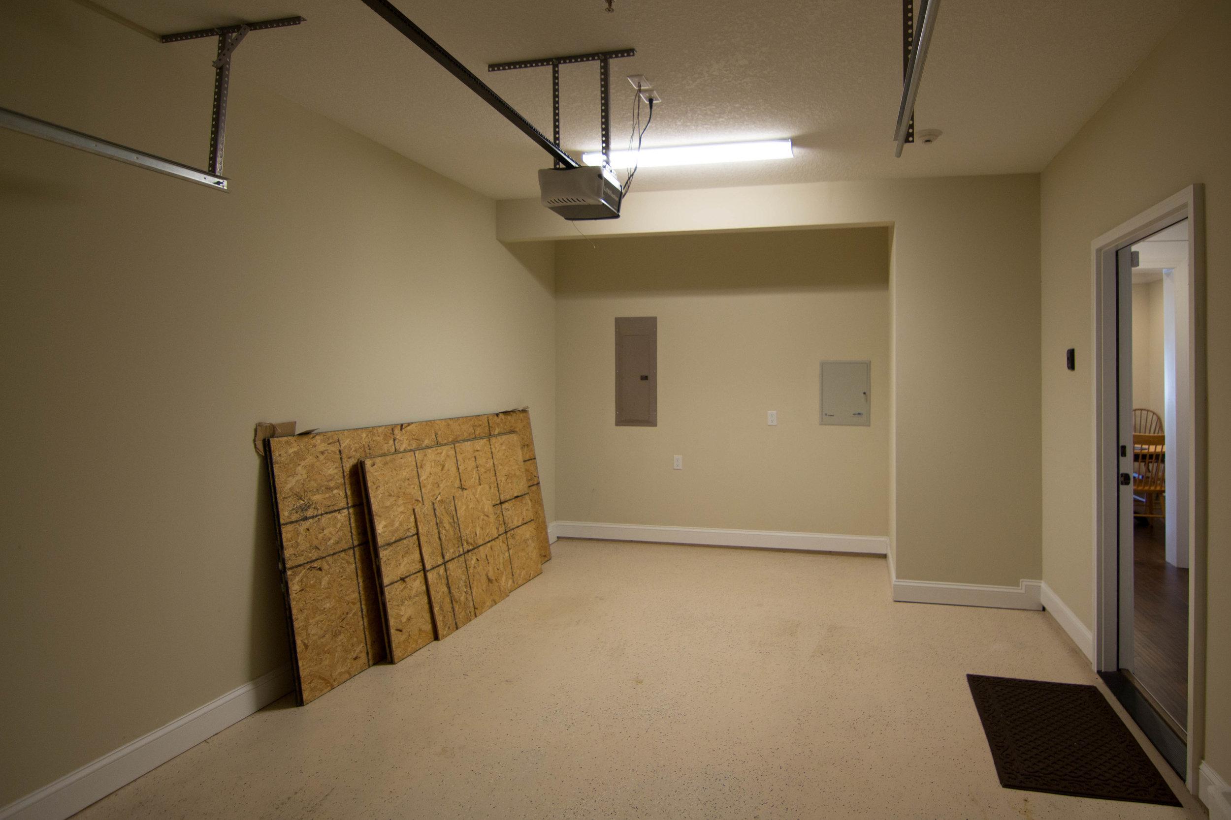 22 Garage.jpg