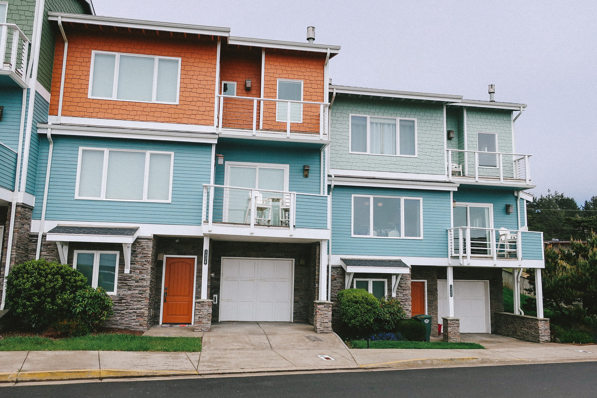 Agate Beach Townhouses_Web_2.jpg