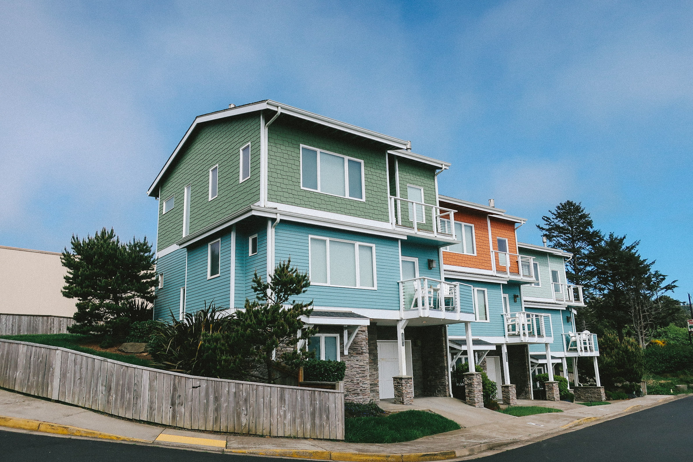 Agate Beach Townhouses_Web_4_P.jpg