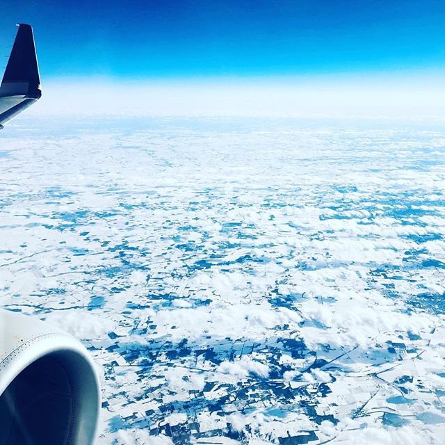 Daydreaming from DCA to ORD - frosty perfection from the window of an Embraer 175.  #avgeek #airline #flight
