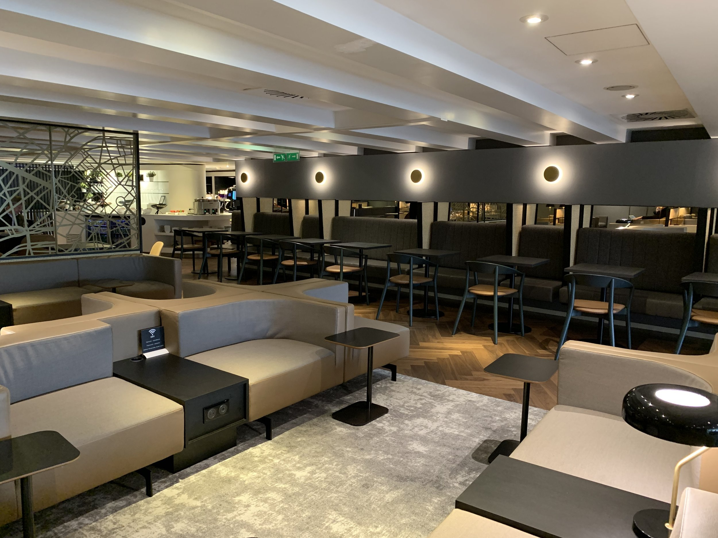 New Refurbished Star Alliance Lounge Paris Charles De Gaulle 3.jpeg