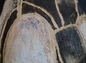 Detail Black and White Urn