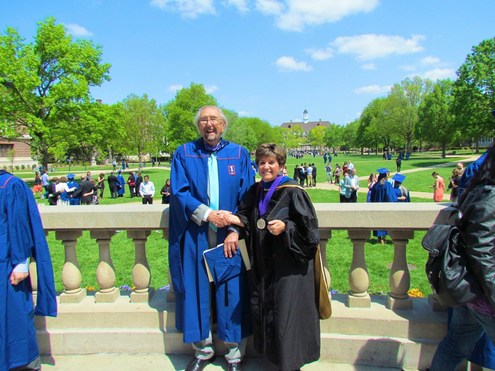 César Pelli and Kathryn Anthony at the 2014 University of Illinois commencement ceremony.