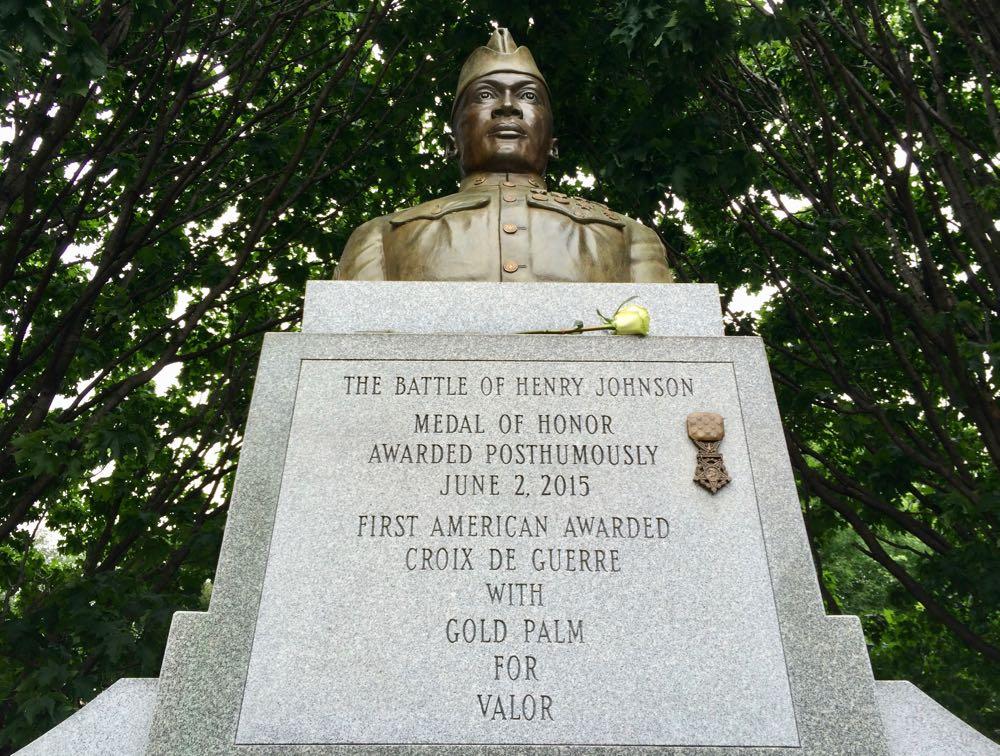 Albany_Washington_Park_Henry_Johnson_memorial.jpg