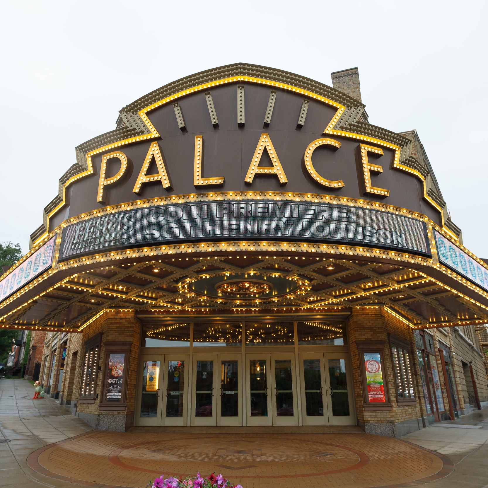 Premiere-01-PalaceMarquee.jpg