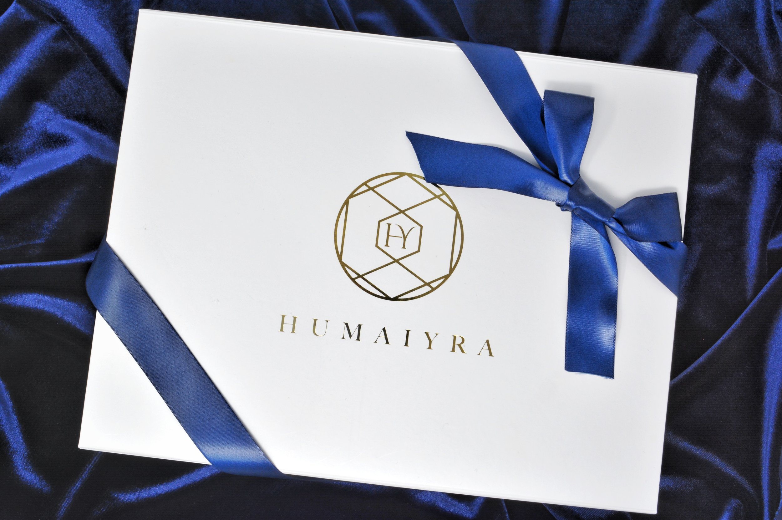 The HY Touch - At Humaiyra we believe that luxury is in every detail. Therefore, we have taken just as much care in choosing the right wrapping for your desired jewels.Each item will arrive housed in our premium box expertly tied and sealed with an elegant bow.