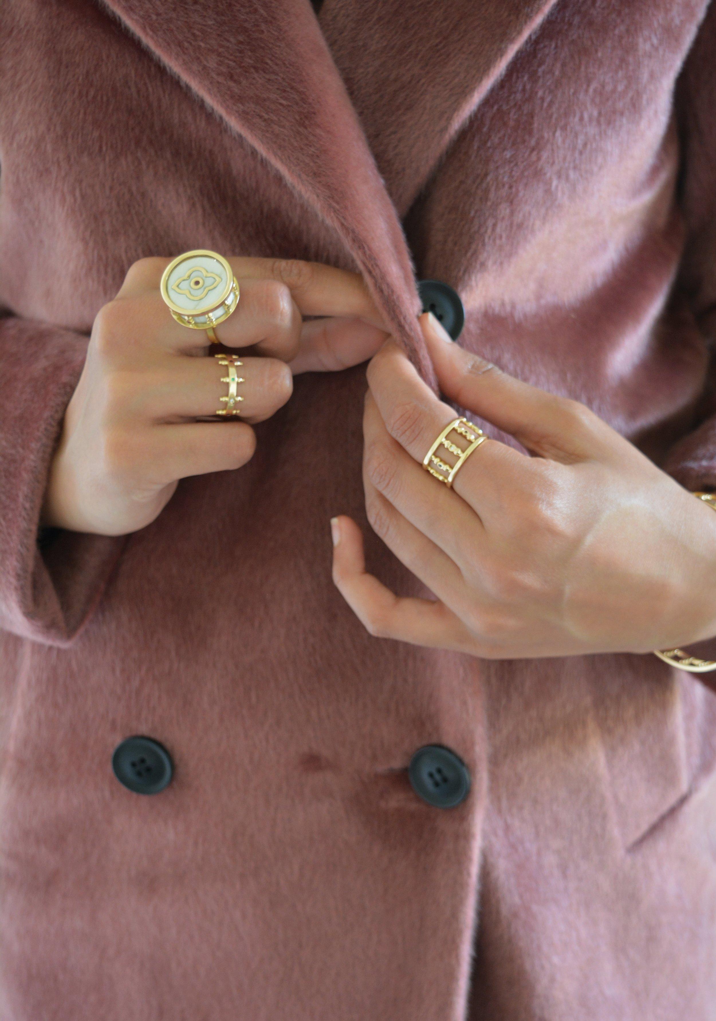 Arabesque/crown/roma rings