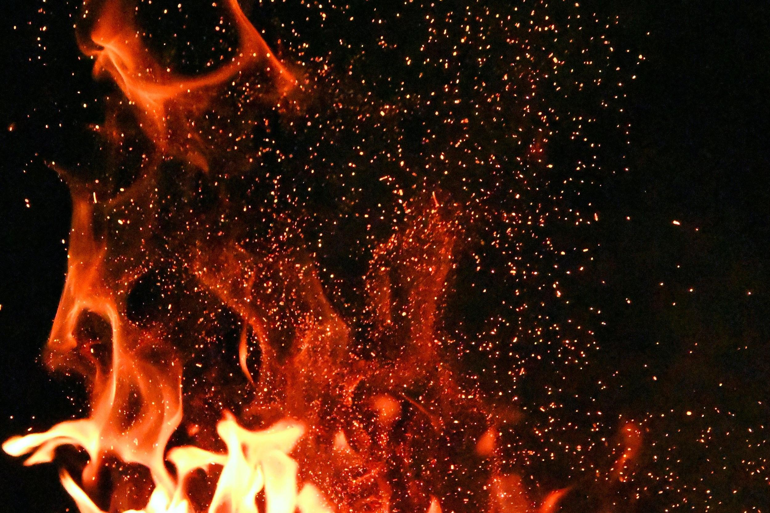 blaze-bonfire-burn-1558916.jpg