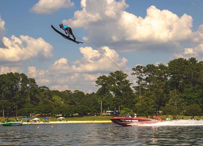 Ryan Dodd soaring high above Robin Lake! / Photo: Jerry Martin  @graphic4play