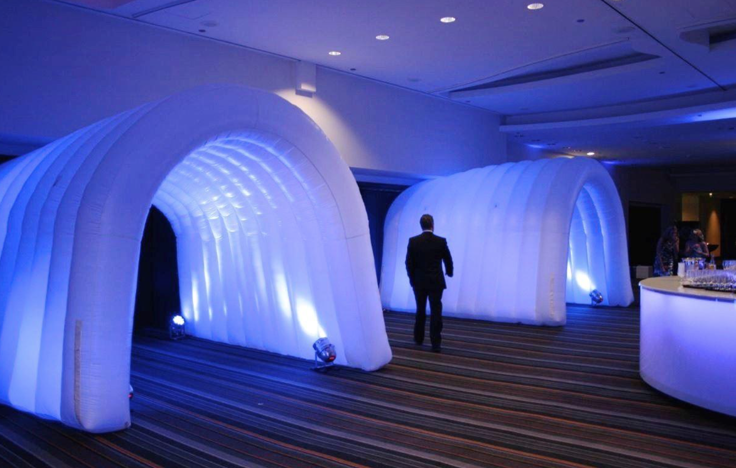 led-inflatable-tunnels