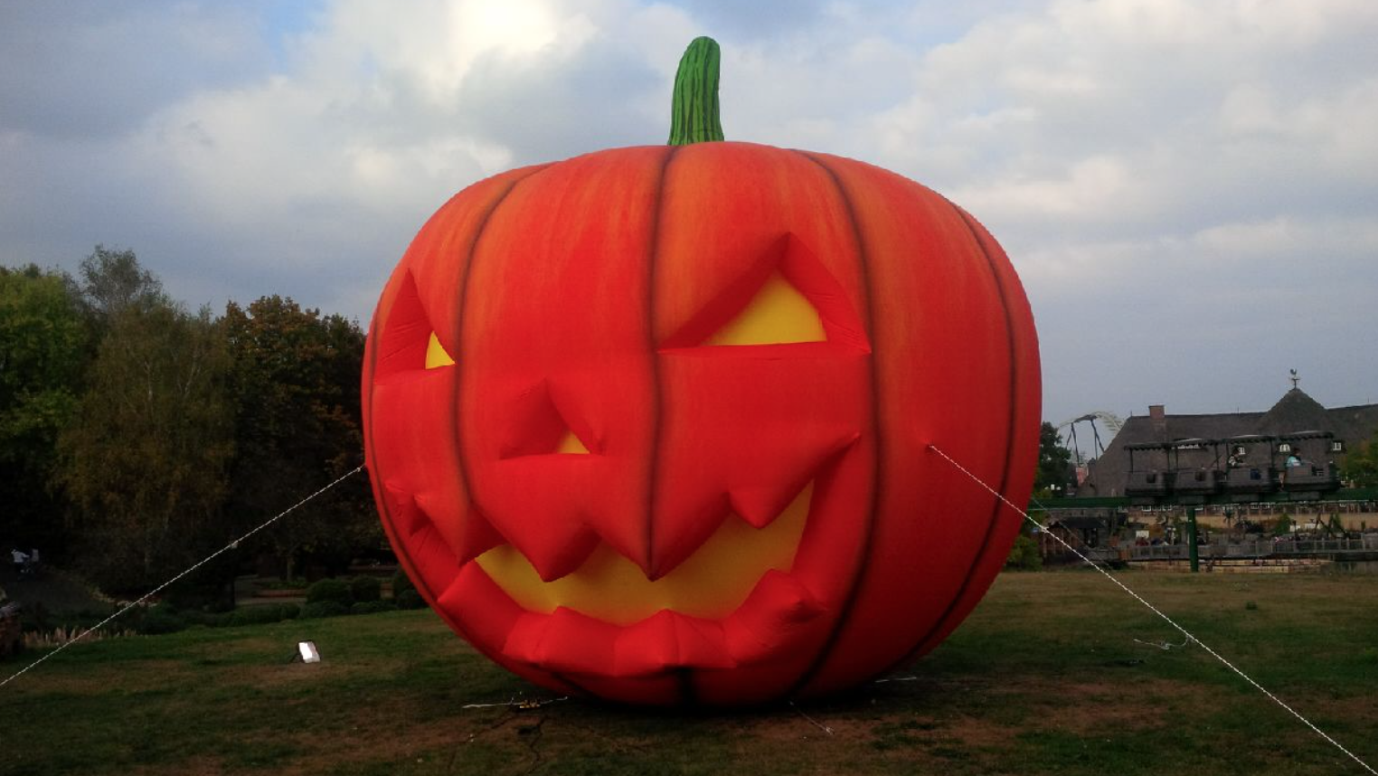 giant-inflatable-pumpkin