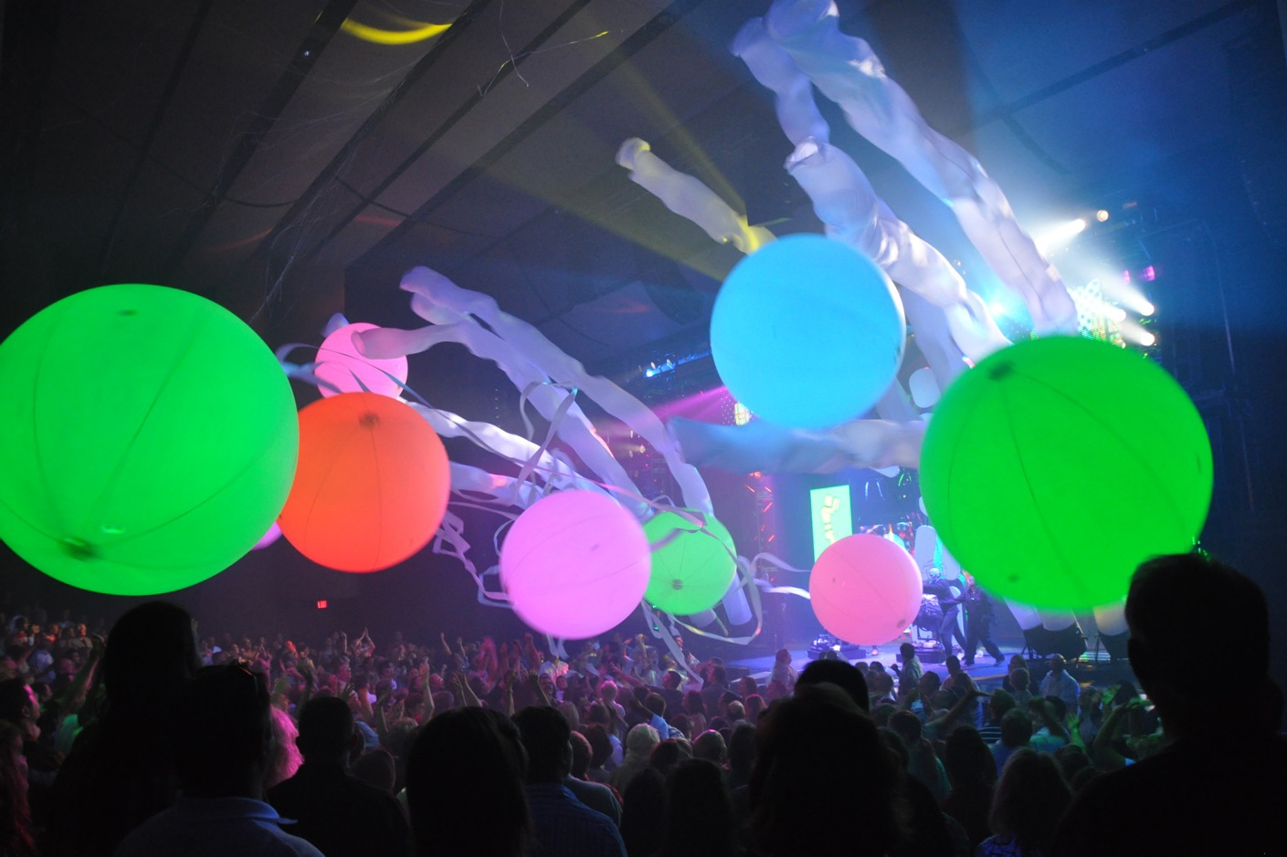 Inflatable Crowd Spheres -