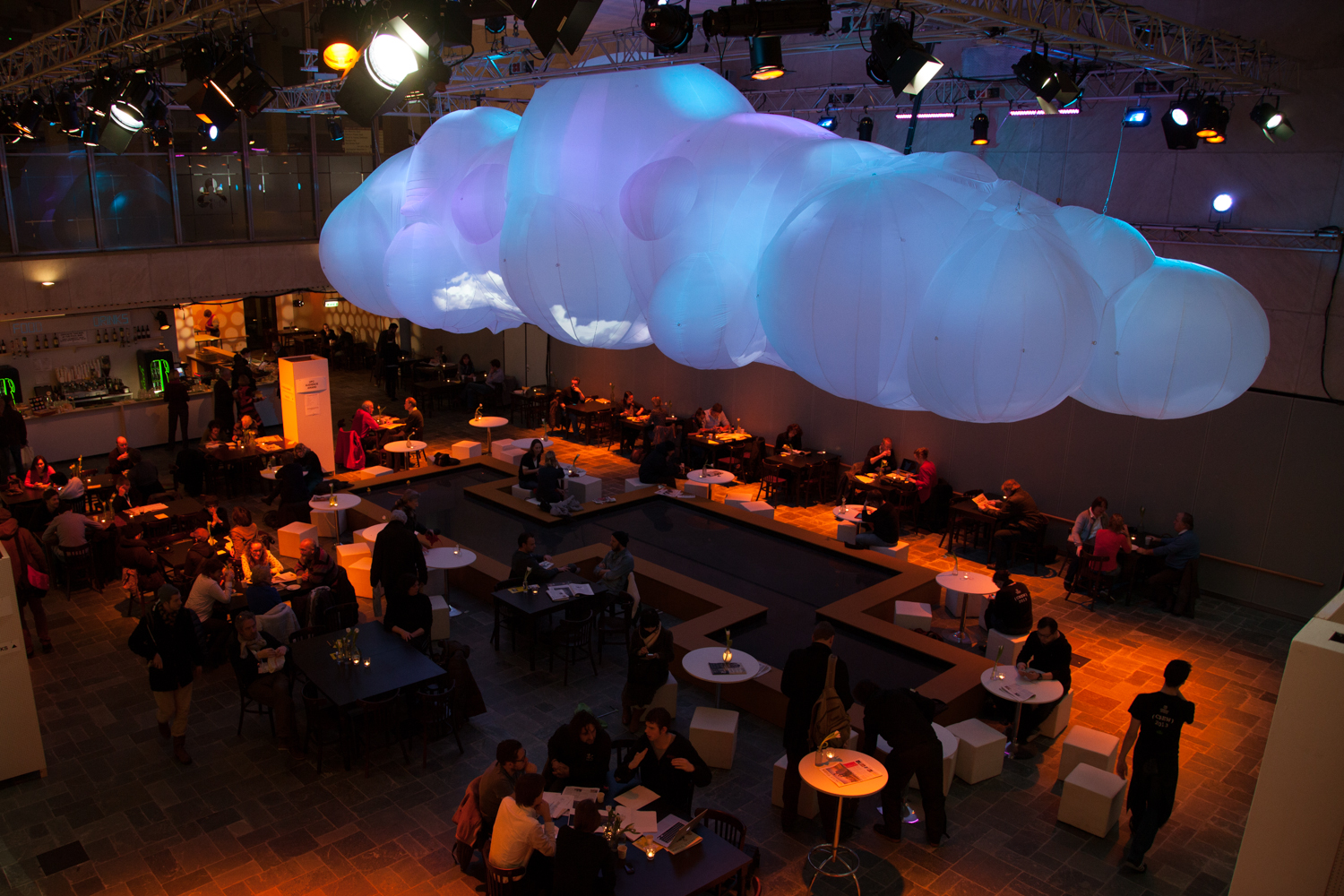 giant-inflatable-cloud