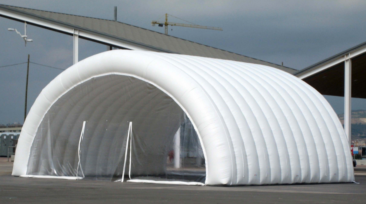 giant-inflatable-tunnel