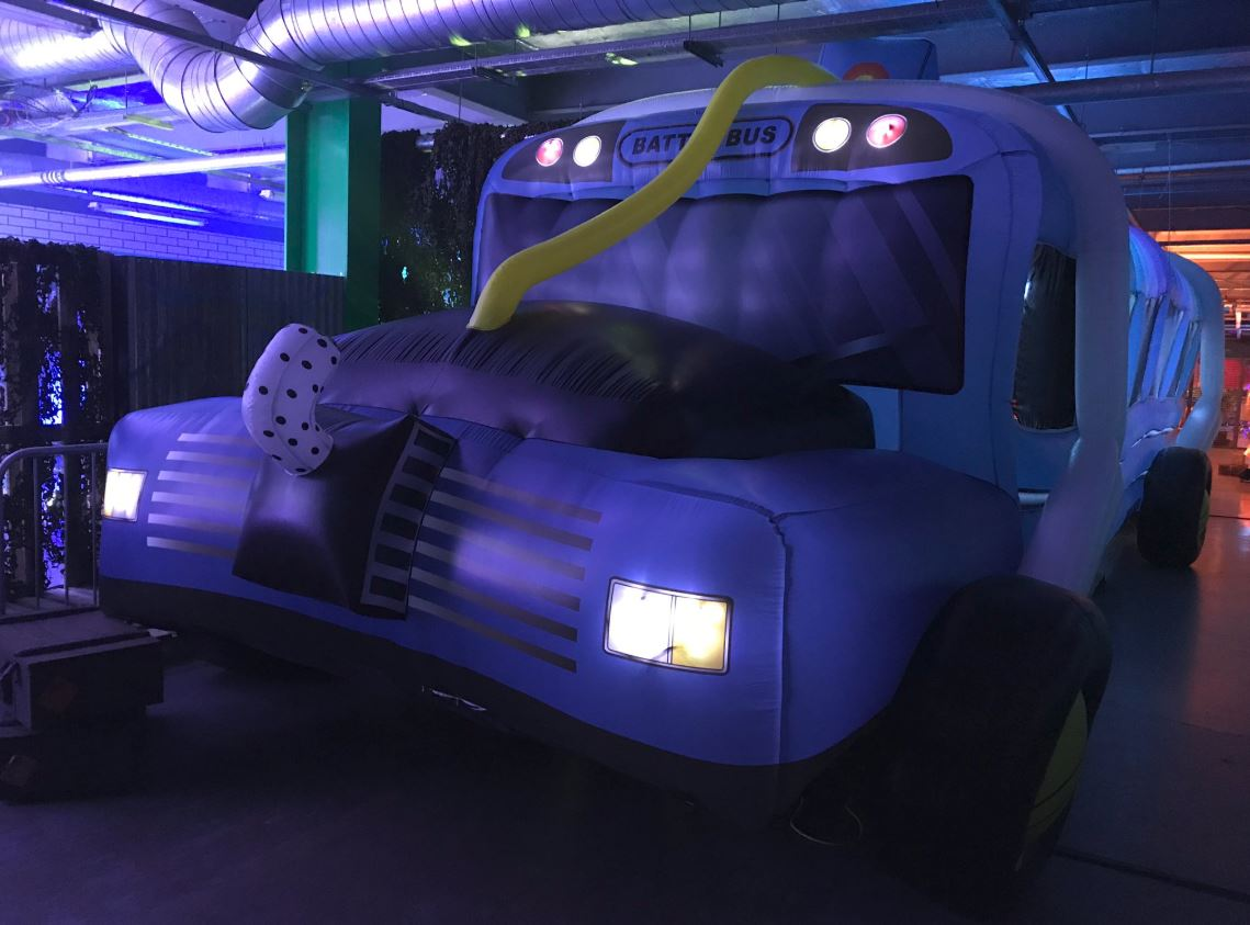 Fortnite-Inflatable-Battle-Bus