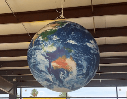 inflatable-planet-earth