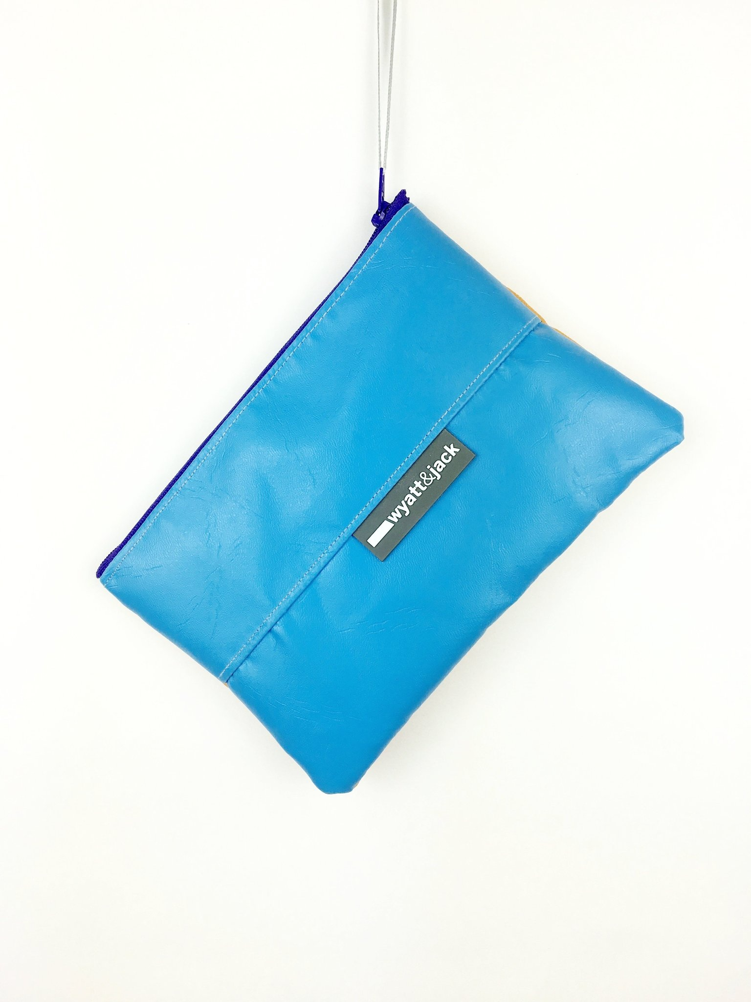 Bunch Pouch - These are perfect for customers who want a taster without committing to a higher priced item as well as making great little gifts.Large enough to fit an iPhone 6 or similar, keys, lip balm, cash etcThe front and back of the pouch are contrasting colours, with a clashing bright top zip closure