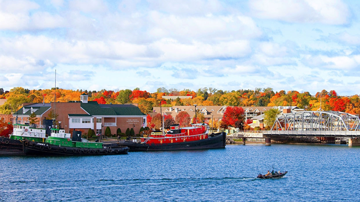 Sturgeon Bay Visitor Center website offers a year round calendar of events.