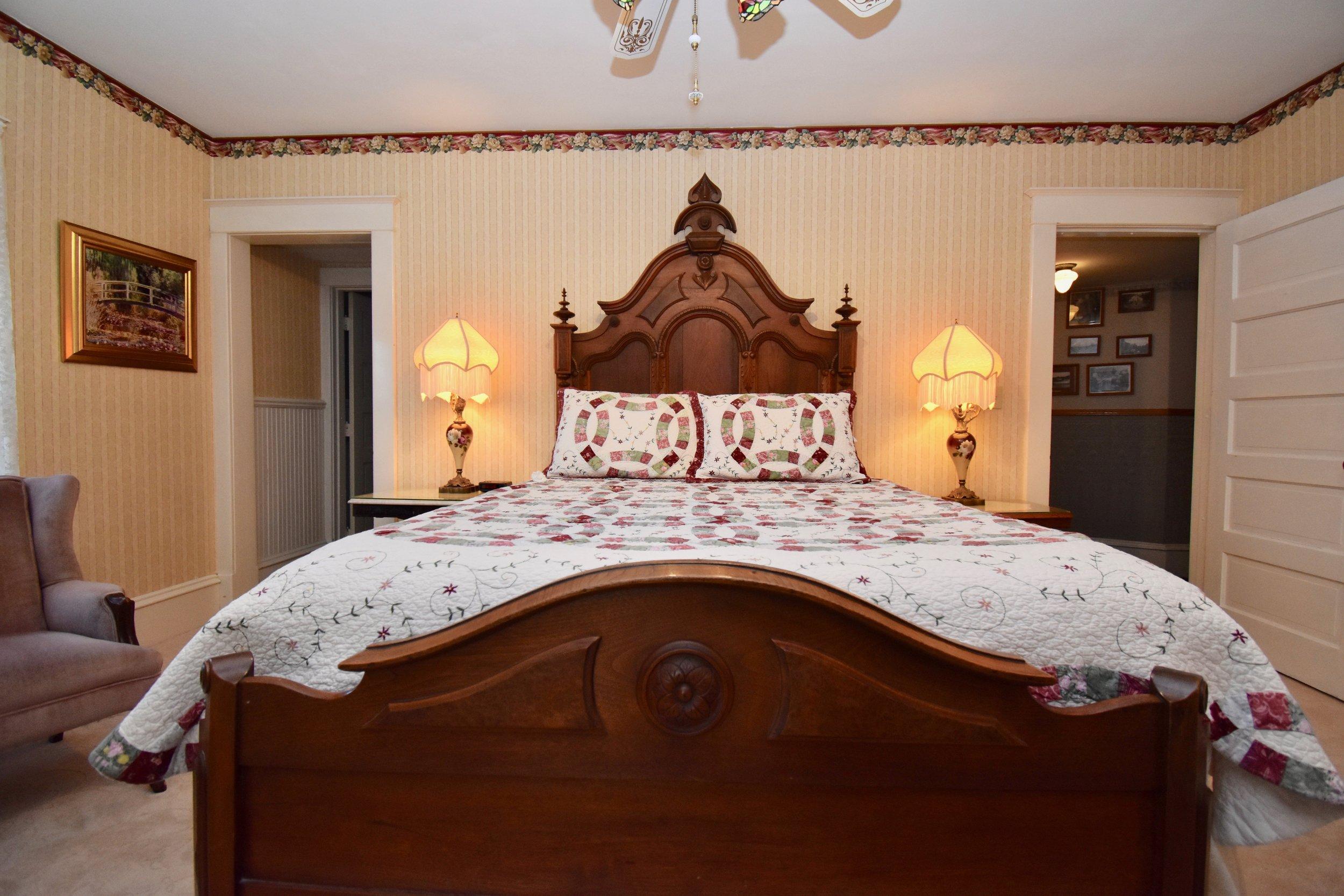 Eastlake Bed