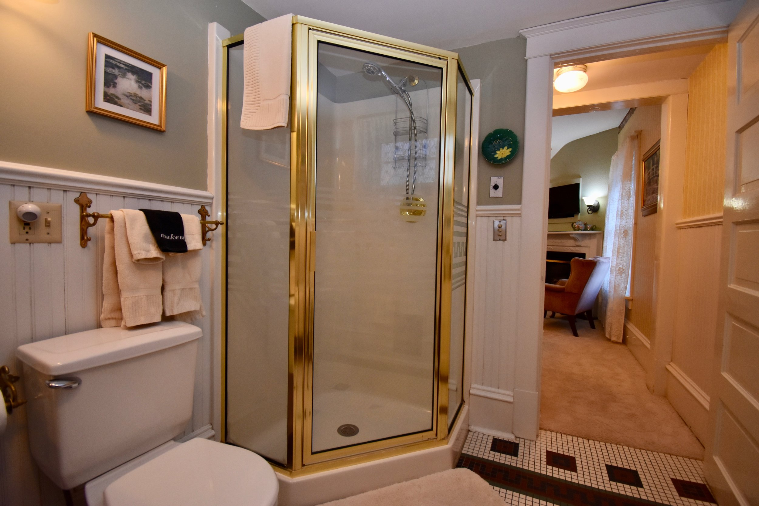 Private Bathroom with Neo Angle Shower