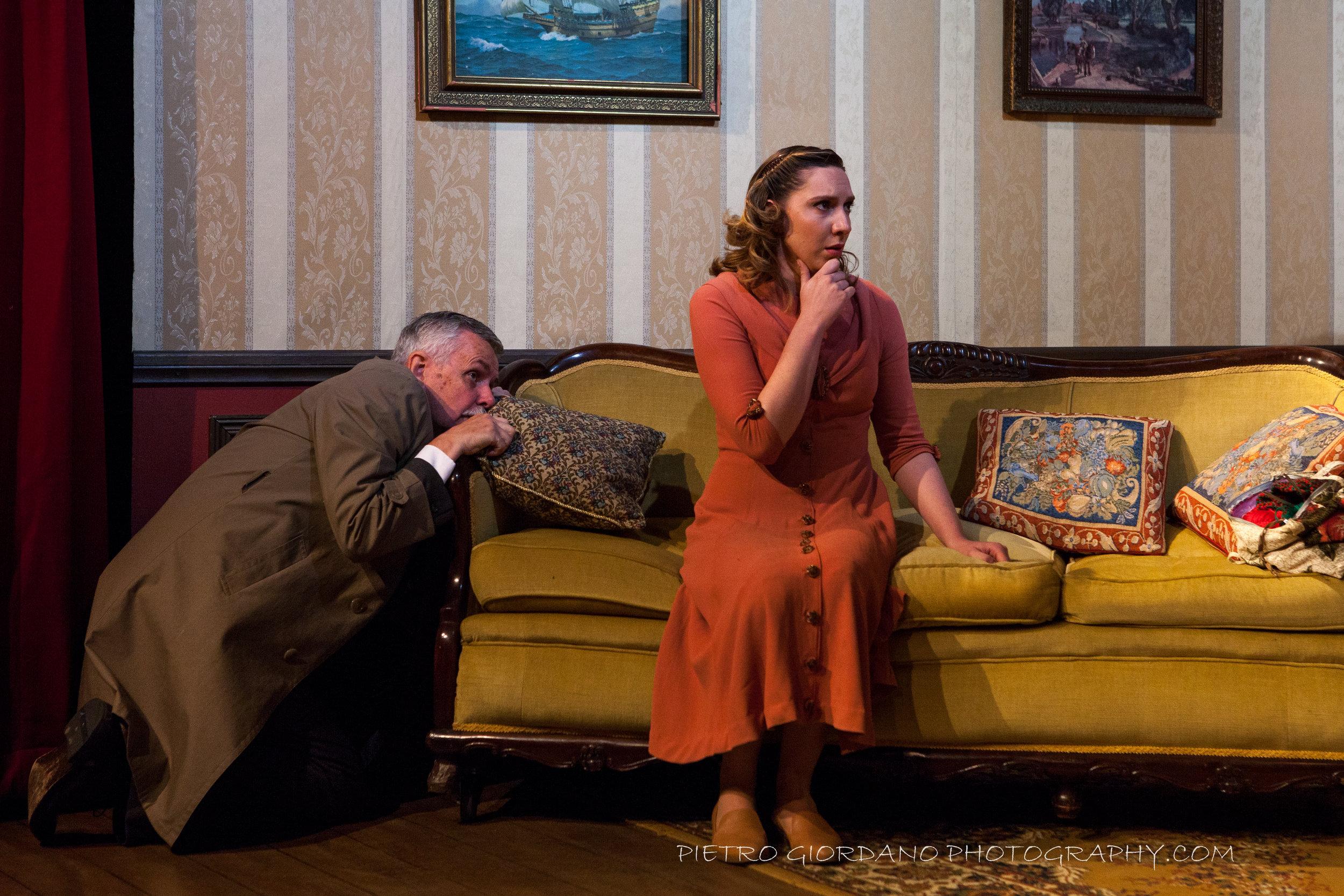 7. Neil Barnett- Inspector Pratt,Sophie McDowell- Nancy.JPG
