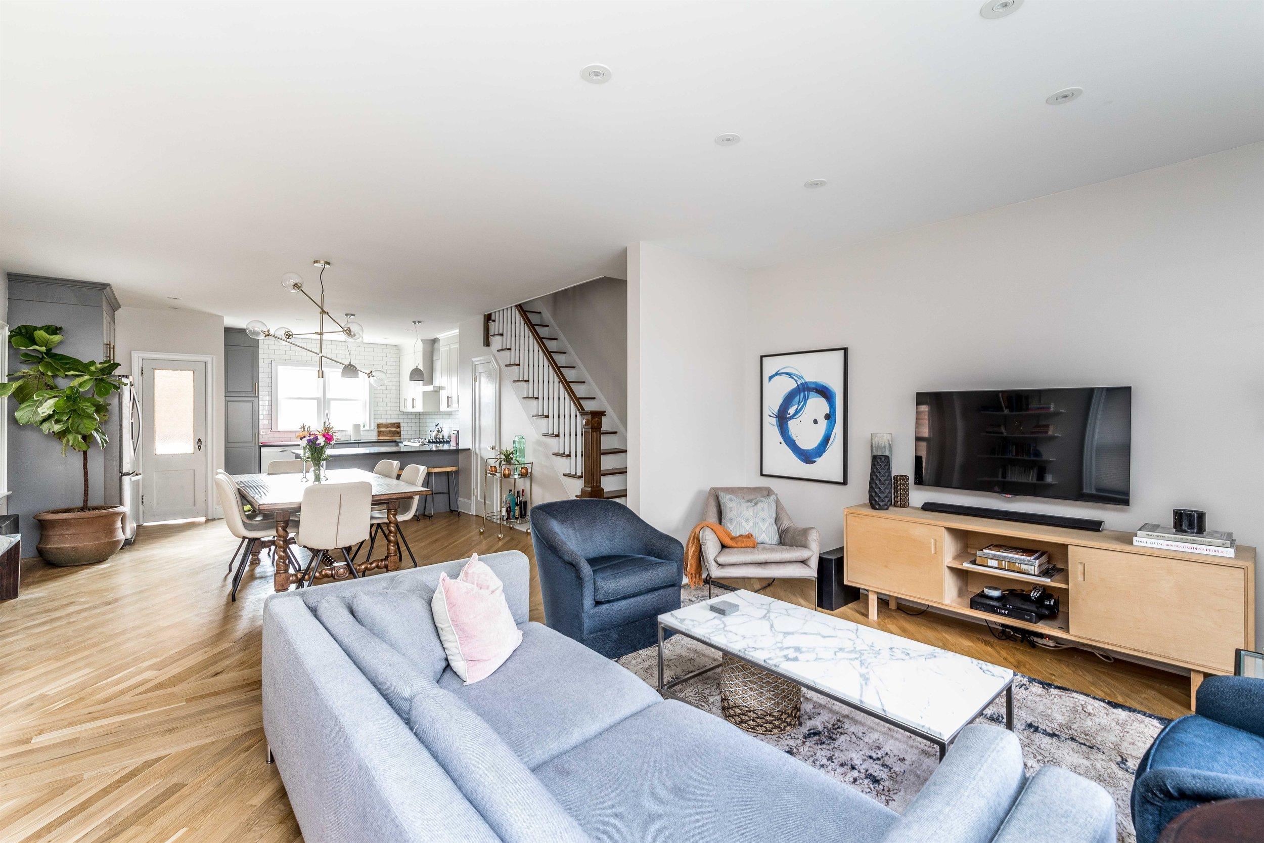 002_Living Room (1).jpg