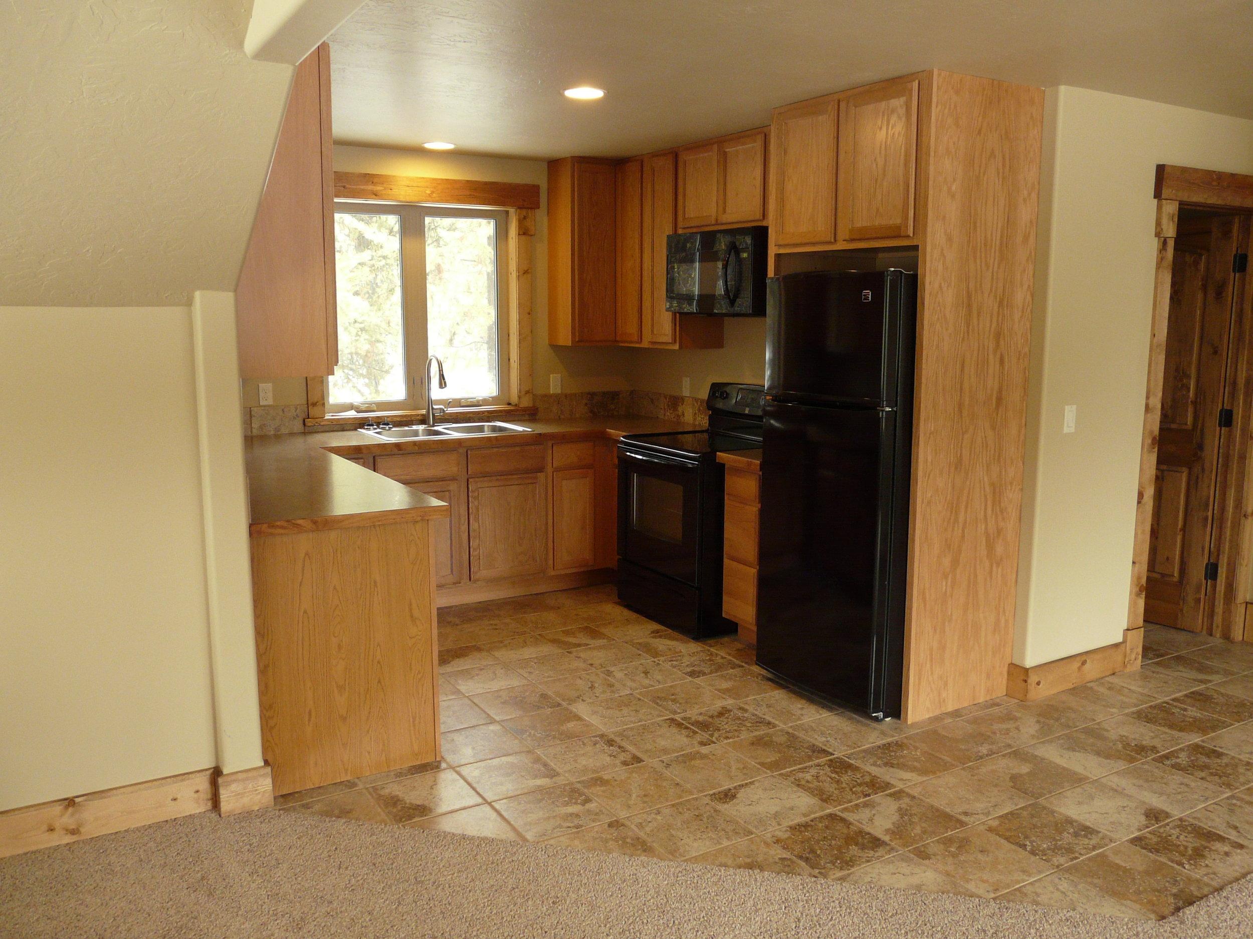 GH kitchen.JPG