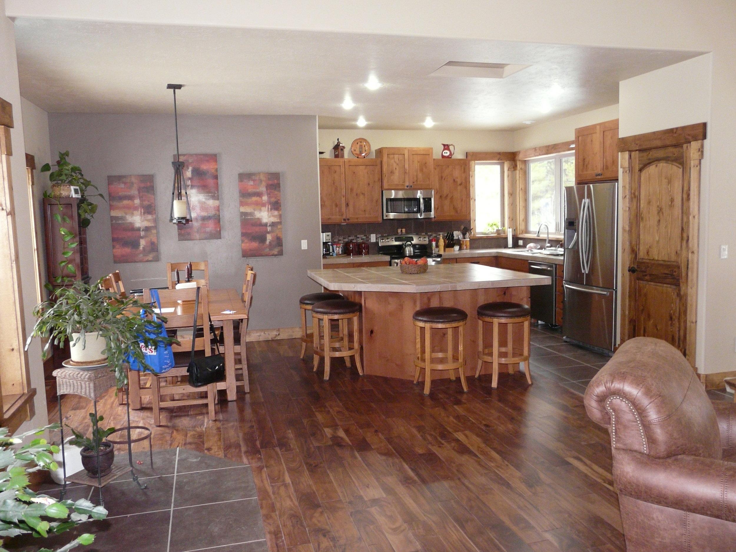 Hideaway kitchen.JPG