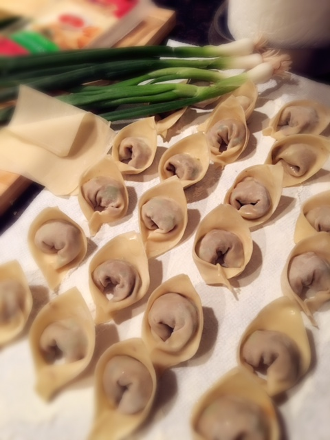 Won Tons can be frozen and stored.  Not recommended to keep frozen for more than 2 weeks.  Eat soon after preparing.