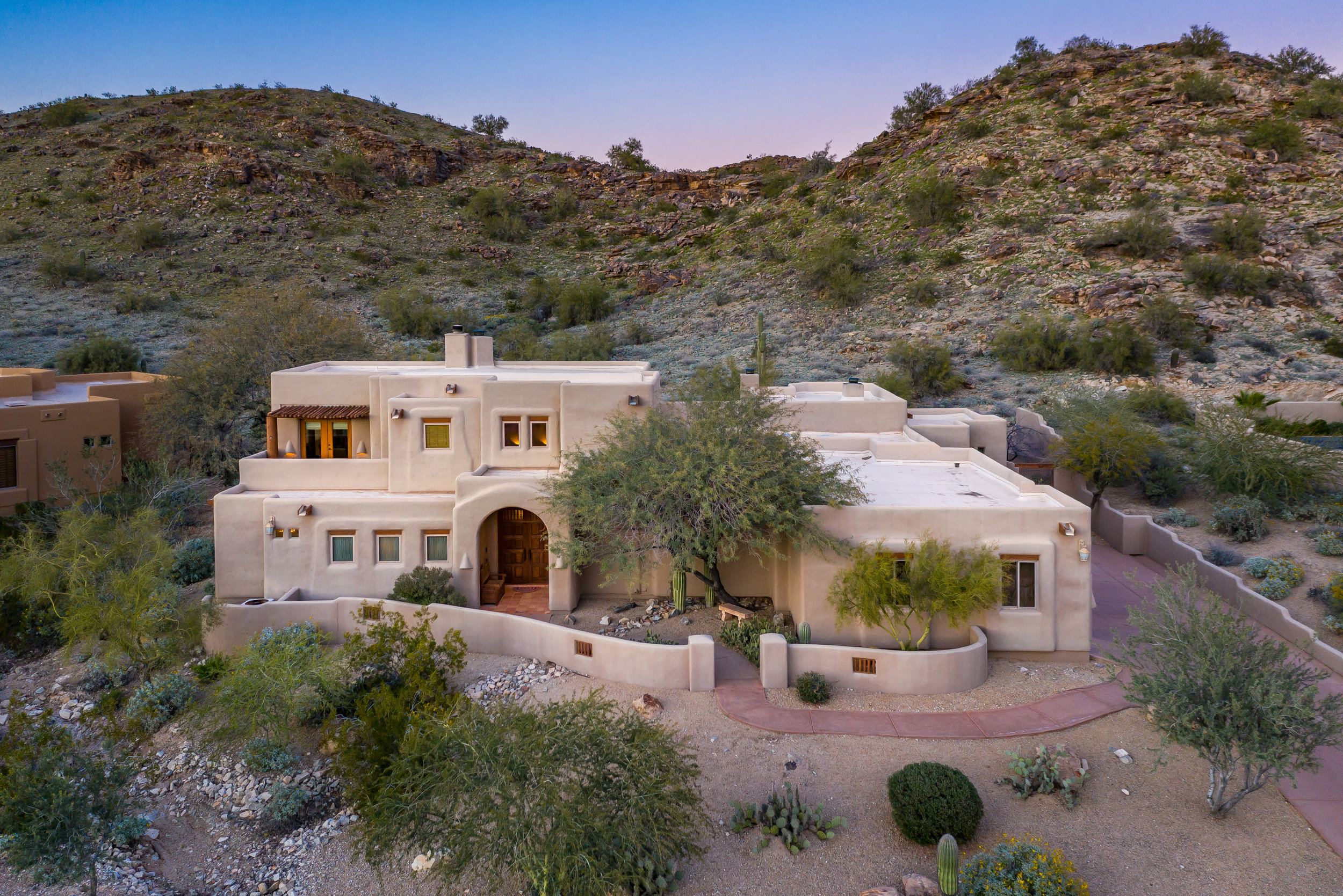 14415 S Canyon DR, Phoenix, AZ 85048 | $860,000