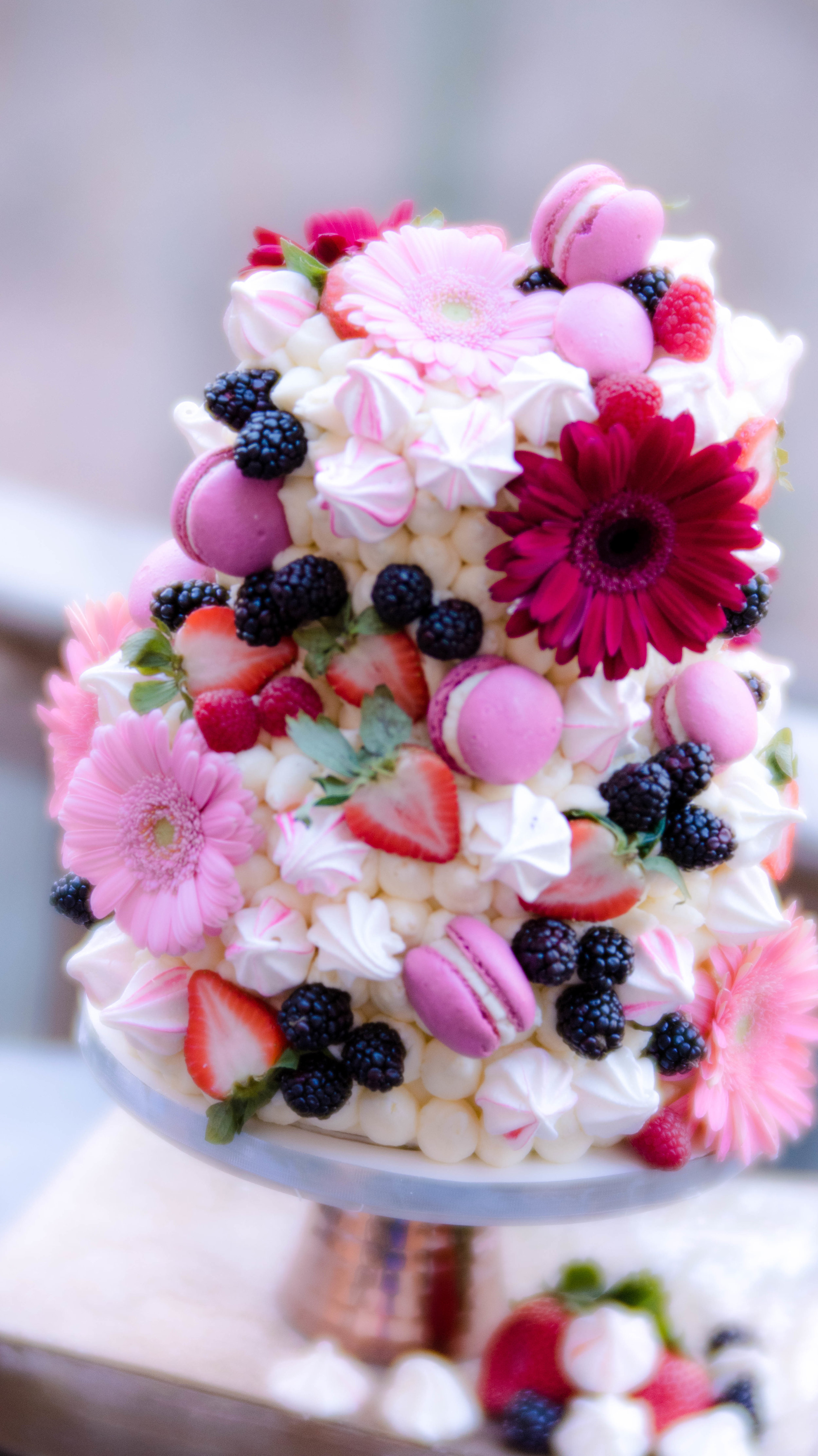 I used the kisses to decorate this buttercream cake. Don't they look pretty? -