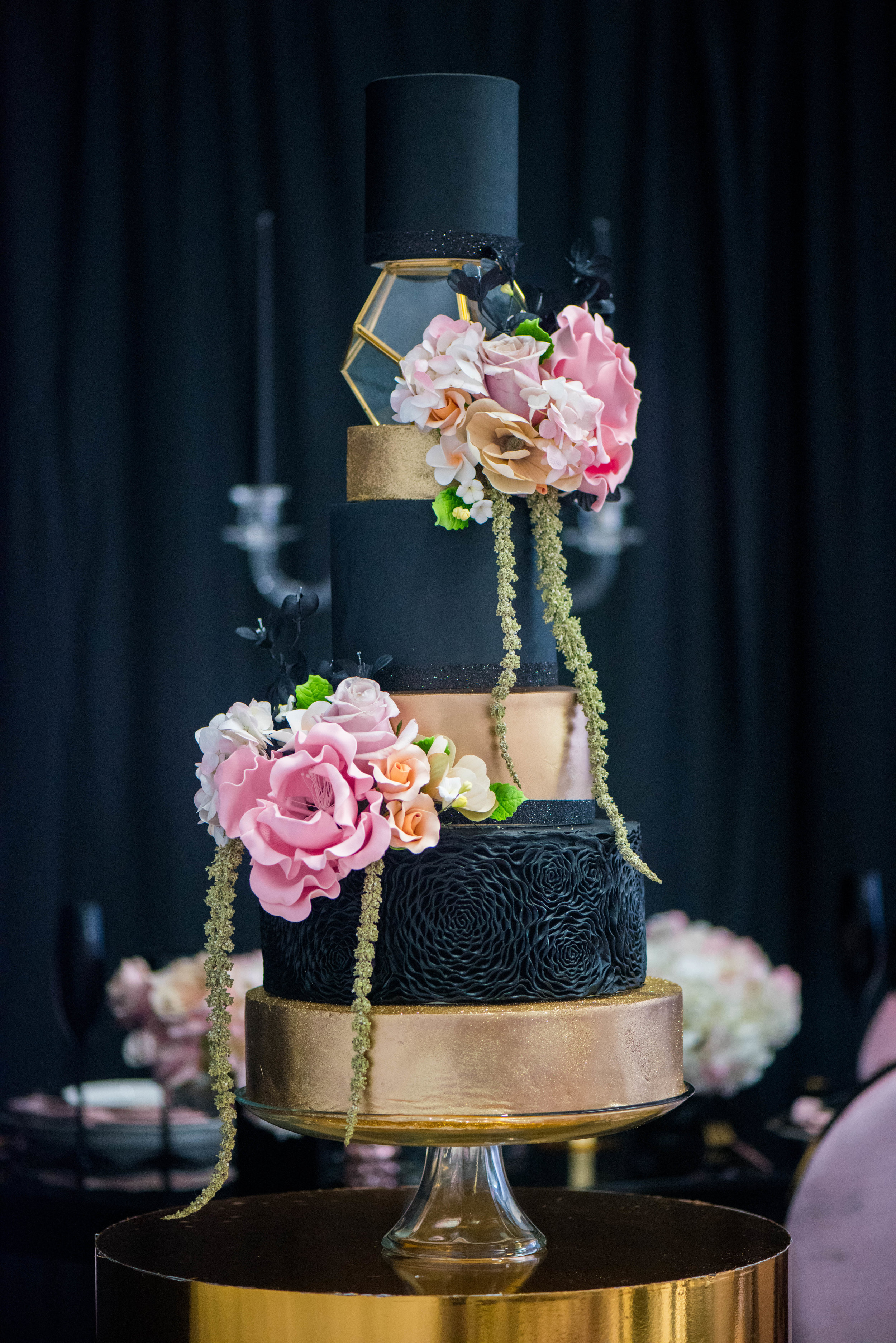 Black and Blush - A stunning wedding cake for a glamorous affair!