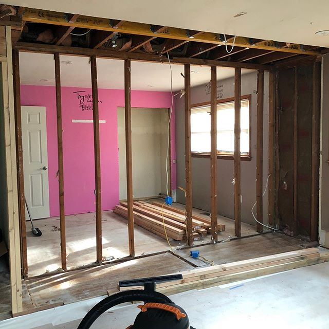 The Master suite at #hollyglenhouse is starting to take shape! This walk in closet is 🔥🔥🔥 . . . .  #hollyglenhouse #houseflipping #construction #working #hubestateliquidation #fixerupper #homesweethome #houses #hgtv #kitchendesign #bathroomdesign #housetohome #nj #interiordesign #midcenturymodern #midcentury #followforfollowback #likeforlikes #mastersuite #walkincloset