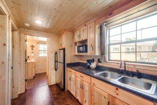 2-bedroom-cabin-9-Mobile.jpg
