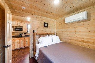 2-bedroom-cabin-13-Mobile.jpg