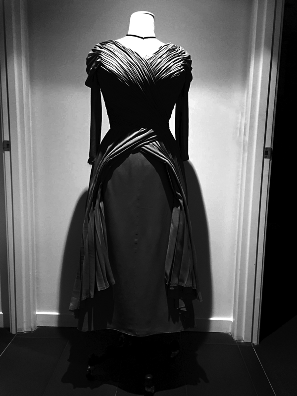 maison-de-rossi-blog-from-a-dream-to-reality-dress-front-b&w.png