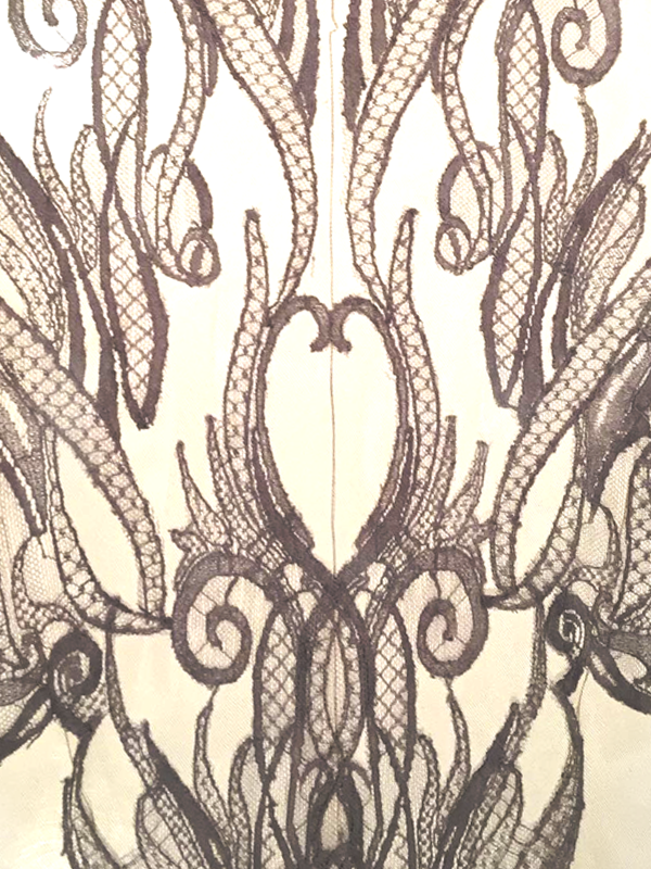 maison-de-rossi-blog-from-a-dream-to-reality-lace-applique-detail.png