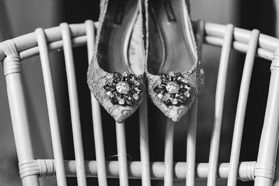 MAISONdeROSSI-blog-real-weddings-Emma-wedding-shoes-photo.jpg