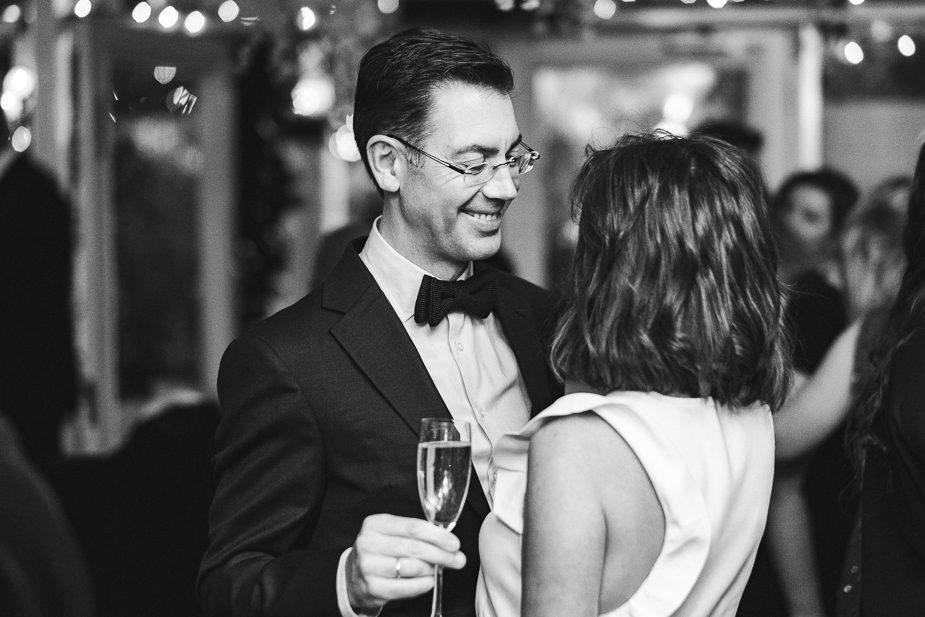 MAISONdeROSSI-blog-real-weddings-Emma-reception-champagne-photo.jpg