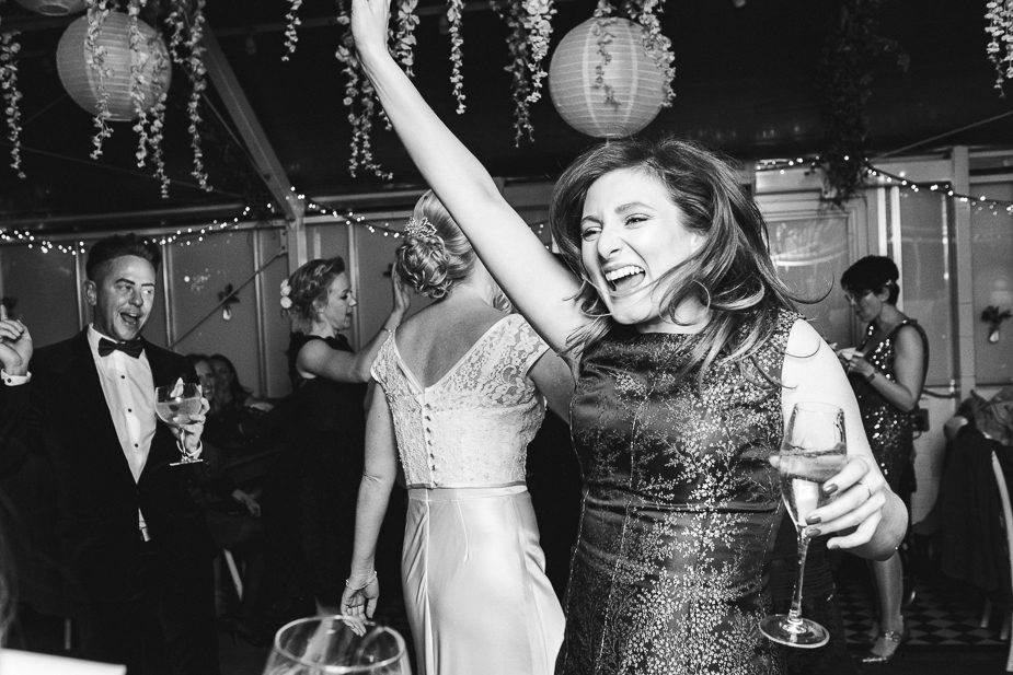 MAISONdeROSSI-blog-real-weddings-Emma-reception-dancing-photo.jpg