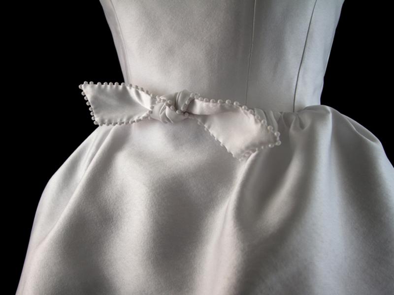 maison-de-rossi-tea-at-the-ritz-tea-dress-wedding-dress-bow-detail.png